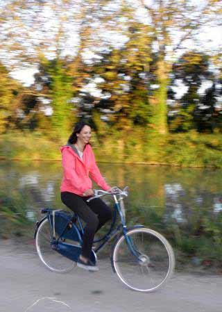 Bateau Cycling along the canal photo 15