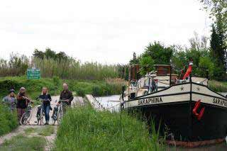 Bateau Cycling and barge cruising photo 6