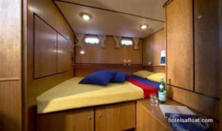 France Afloat : Linssen 33.9 Aft cabin photo 1