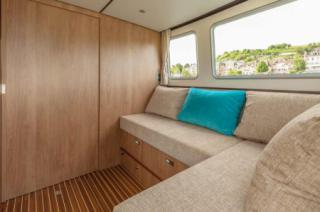 Internal doors to create two private cabins