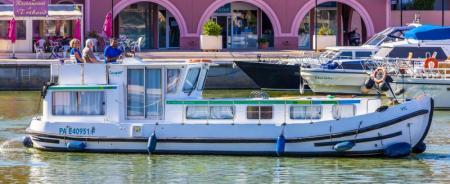 P1106FB Locaboat